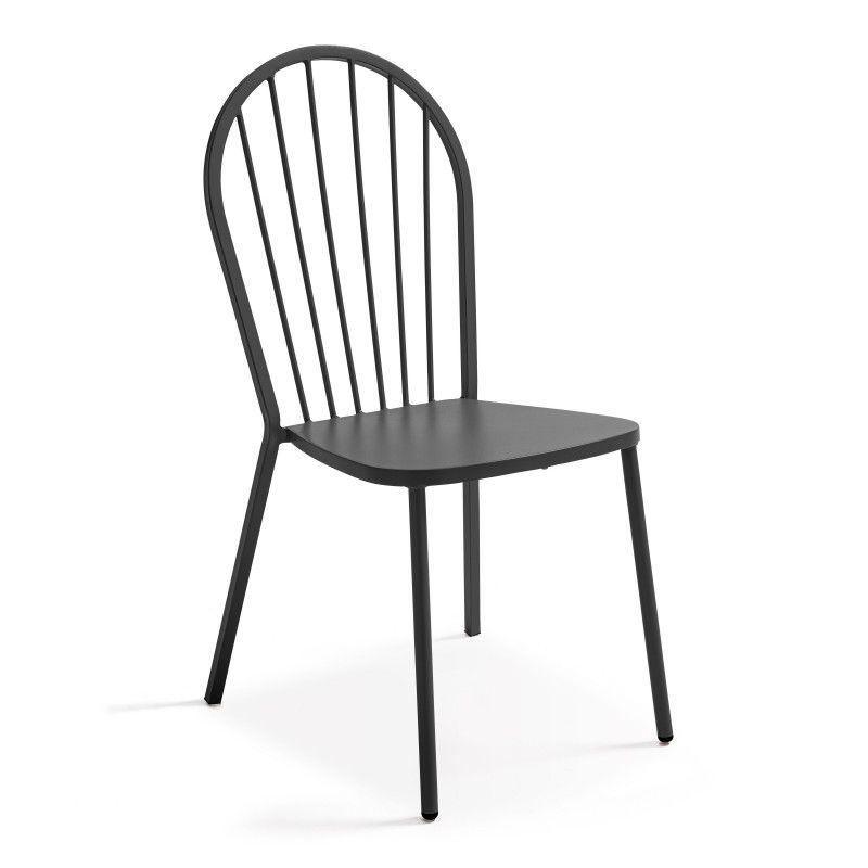 Chaise bistro grise terrasse extérieure