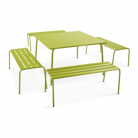 Table carrée et 4 bancs en métal vert