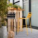 Chaise haute en métal noire et jaune