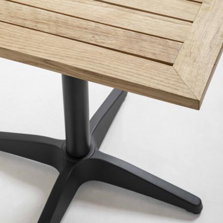 Focus table carrée en bois brasserie restaurant