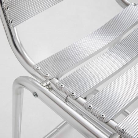 Focus tabouret gris en aluminium terrasse café